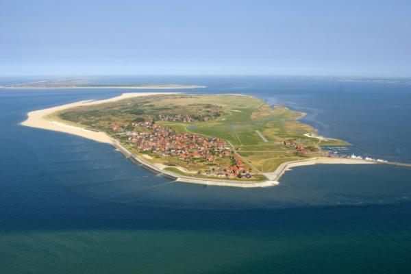 Tagesausflug nach Norderney an den Strand mit einem 2 motorigen Flugzeug (Alternativ auch andere Inseln möglich)