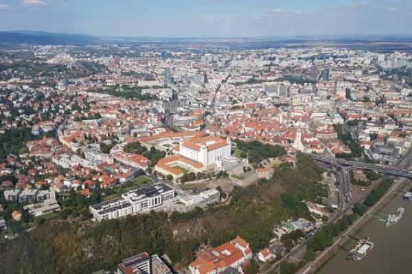 Rundflug über Bratislava