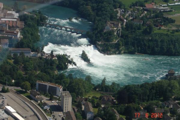 Rundflug ab Birrfeld: Rheinfall