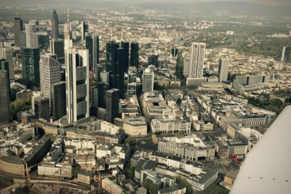 Rundflug über Rhein-Main mit Frankfurt Skyline-Route