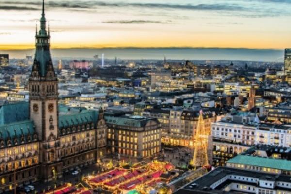 Heli-Rundflug um die Hansestadt Hamburg