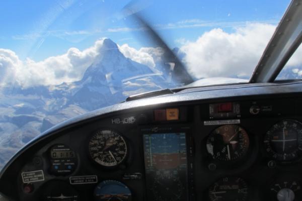 Rundflug ab Birrfeld: Matterhorn