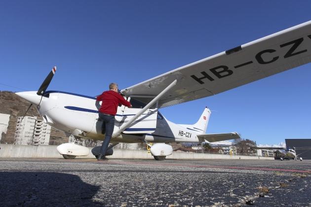 Cessna C182